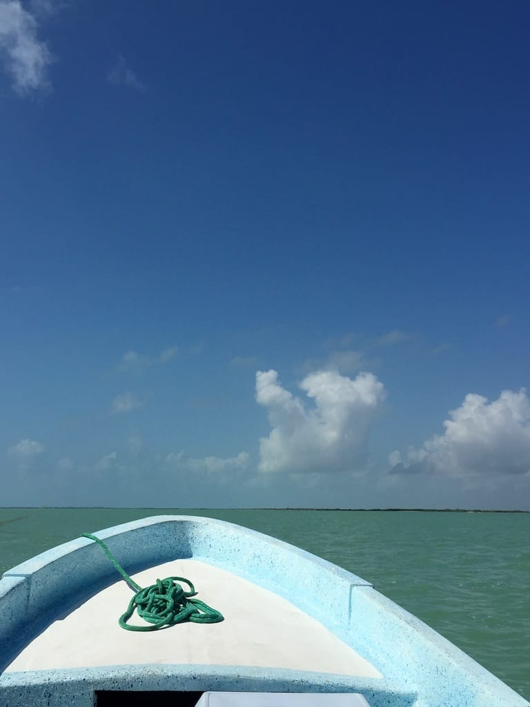 mer caraibes barque bleue